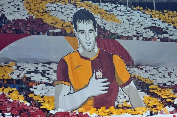 UEFA Şampiyonlar Ligi D Grubu'nda Galatasaray kendi evinde Borussia Dortmund'a 4-0 mağlup oldu.