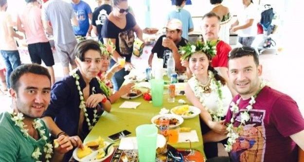 Bayramiçli Öğrenciler Tahiti'de