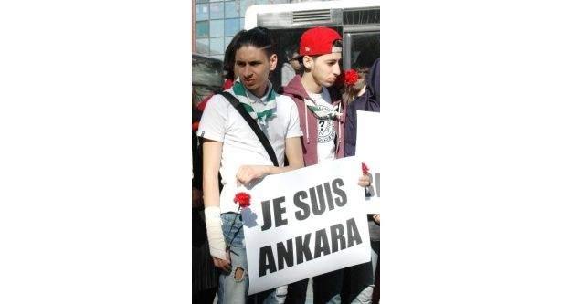 Belçikalı Ve Fransız Gençler Ankara'daki Saldırıda Ölenleri Andı