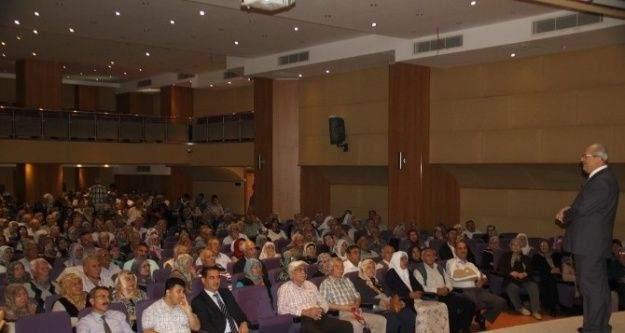 Adana'da Hacı Adaylarına Seminer