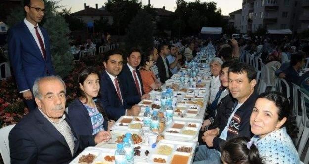 Başkan Bahçeci Ramazan Buluşmaları İle Halkın Taleplerini Yerinde Alıyor