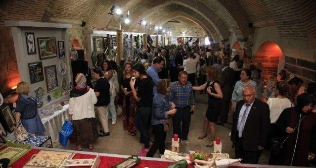 Dönem Sonu Geleneksel El Sanatları Sergisi Açıldı