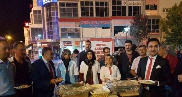 İlahi Sanatçısı Esat Aydoğan Develi'd demokrasi nöbetindeydi