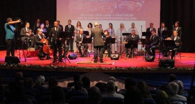 Elazığ Devlet Korosu ilk konserini verdi