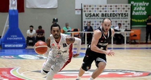 Muratbey Uşak FIBA Şampiyonlar Ligi'nde gruplara kaldı