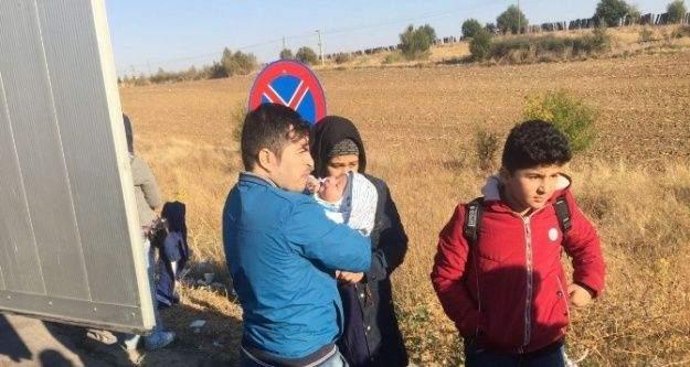 TIR dorsesi içinden 13 Afgan kaçak göçmen çıktı