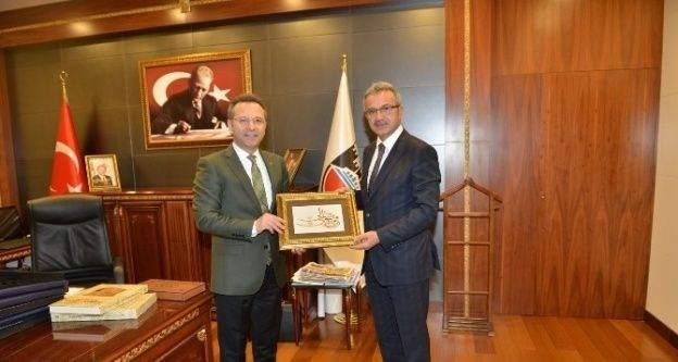 Başkan Köşker Diyarbakır'da ilk ziyaret Vali Aksoy'a
