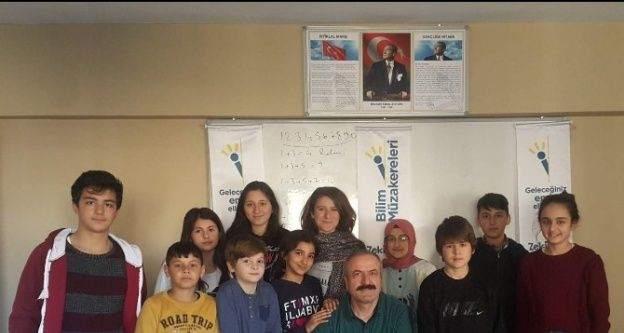 'Matematik dersinde nasıl başarılı olunur' semineri gerçekleşti.