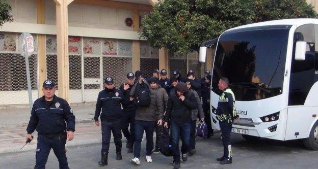 Mersin'de 'Bylock'çu askerler adliyeye sevk edildi
