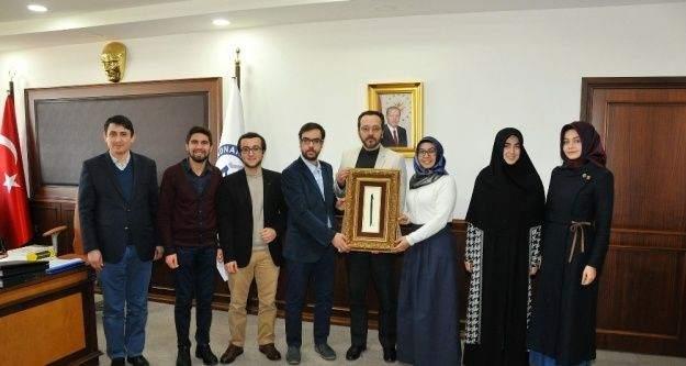 Öğrenci toplulukları temsilcileri Bircan'ı makamında ziyaret etti