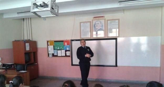 Öğrencilerine trafik semineri