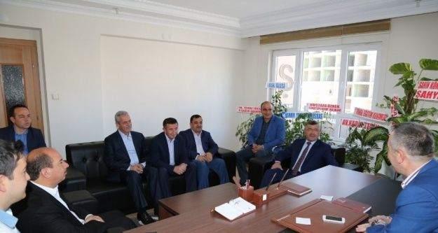 Başkan Akdoğan'dan siyasi parti ve STK'lara teşekkür ziyareti