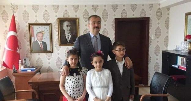 Emet'in yönetimini çocuklar devraldı