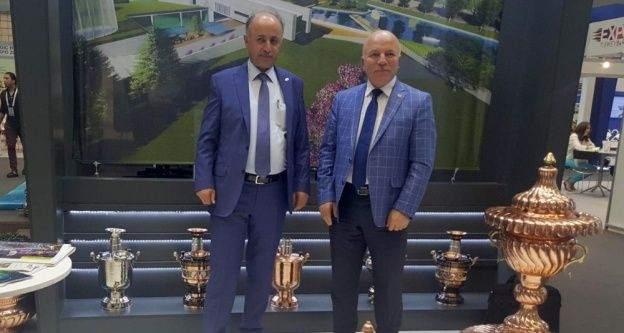 """Expo Katar'dan Başkan Sekmen'e 'En İyi Kent Vizyonu"""" ödülü"""
