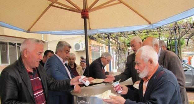 Hisarcık Belediyesinden 2 bin kişiye kandil pilavı