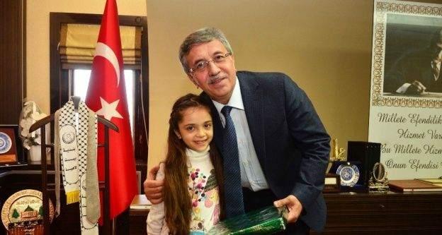Pursaklar Belediye Başkanı Çetin'den 23 Nisan mesajı