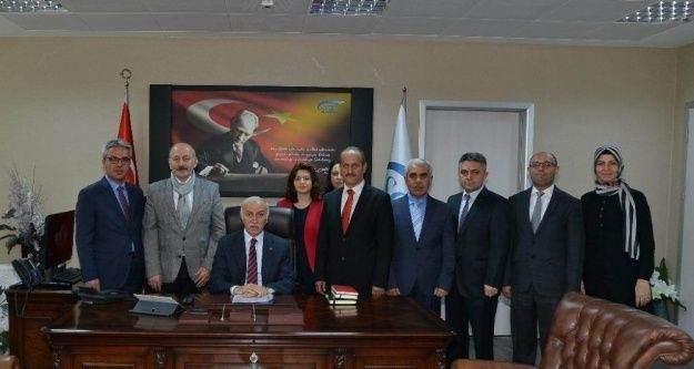 Valisi Şahin, SGK çalışanları ile bir araya geldi
