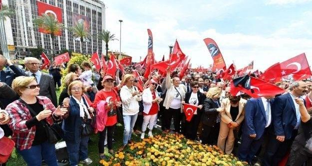 19 Mayıs'a 'Halk kutlaması'