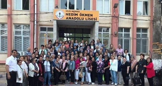 Kilis Kız Öğretmen Okulu' mezunları 50 yıl sonra bir araya geldi
