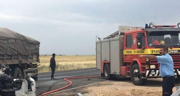 Mardin'de iki tır çarpıştı: 2 yaralı