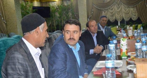 Ağrı Valisi Işın, Eleşkirt'te şehit ve gazi yakınları ile birlikte iftarını açtı