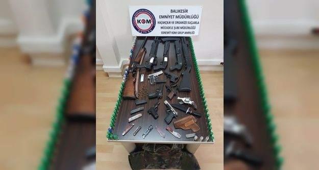 Balıkesir'de suç örgütüne operasyon: 24 gözaltı