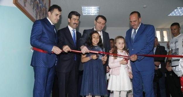 Başkan Fatih Duruay karne dağıttı