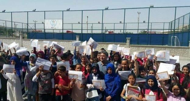 Çat Belediye Başkanı Duru öğrencileri yalnız bırakmadı