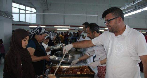 Nevşehir'de geleneksel iftar sofrası ilgi görmeye devam ediyor