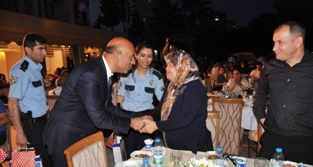 Polisevinde şehit ve gazi aileleri onuruna iftar yemeği düzenlendi