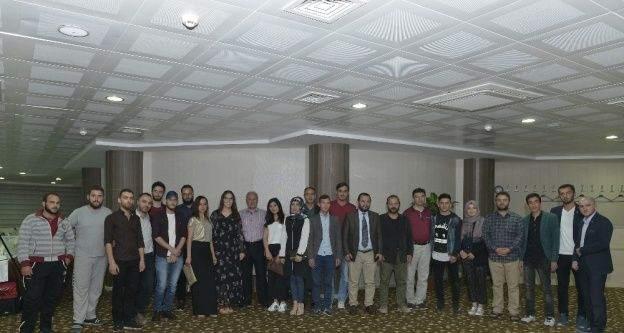 Rektör Akgül'den yabancı uyruklu öğrencilere iftar