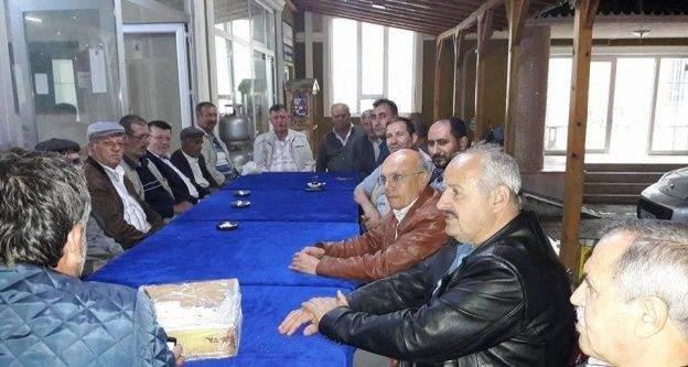 Vezirhan'da teravih namazı sonrası çay ikramı yapıldı
