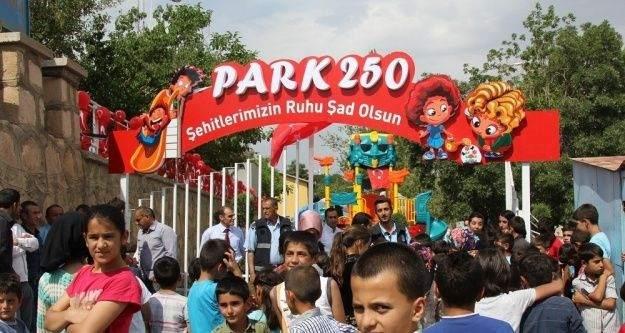 """Başkale'de şehitler anısına parka 'Park 250"""" ismi verildi"""