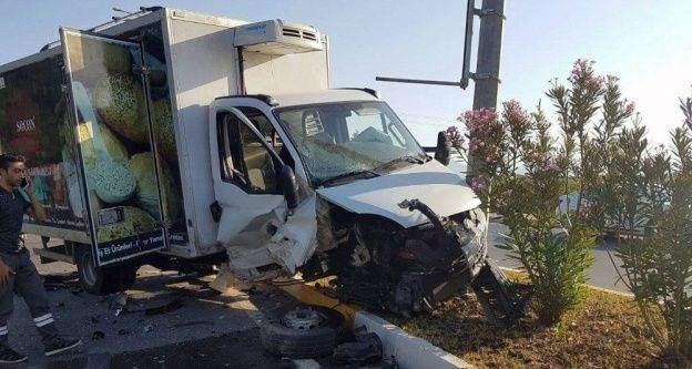 İki aracın çarpıştığı kazada hemşire hayatını kaybetti