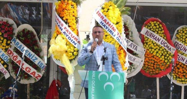 Osmanlı Ocakları Menderes İlçe Başkanlığına mehterli açılış