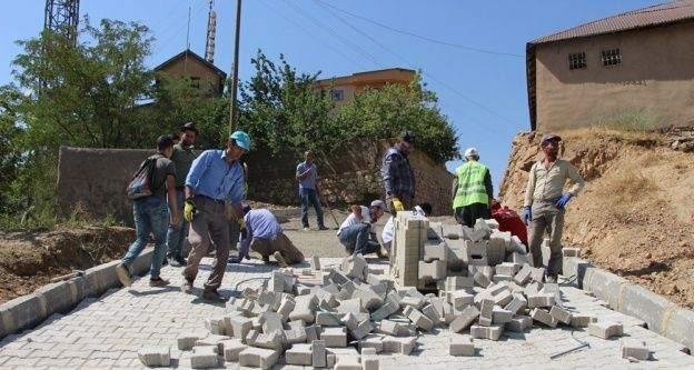 Şemdinli Belediyesi'nde çalışmaları devam ediyor.