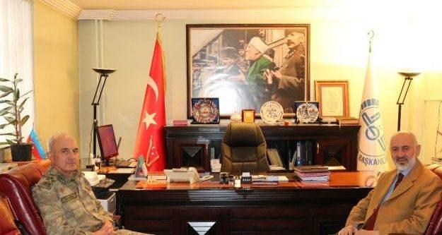 Korgeneral Karataş'tan Müftü Arvas'a ziyaret