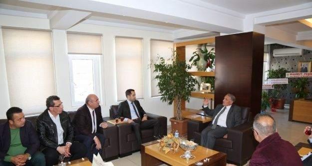 MHP Belediye Meclis üyelerinden Belediye Başkanı Özkan'a ziyareti