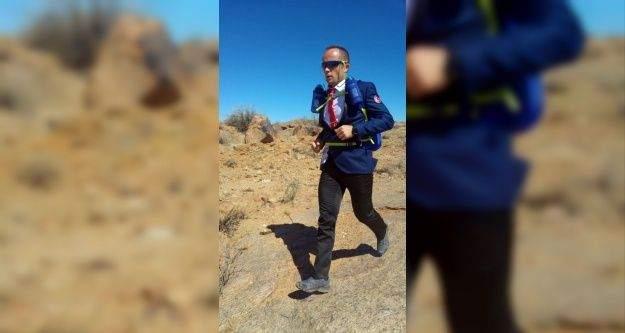 Takım elbiseli koşucu, Malatya'nın gururu oldu