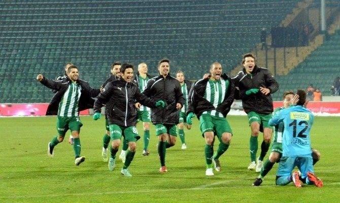 Bursasporlu Futbolcular Gözünü Kupaya Dikti
