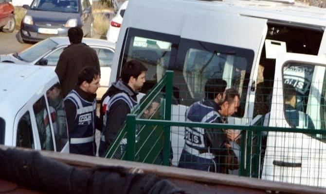 İnsan Kaçakçılığına 27 Gözaltı
