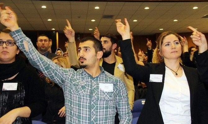 "İşaret Diliyle 'istiklal Marşı"""