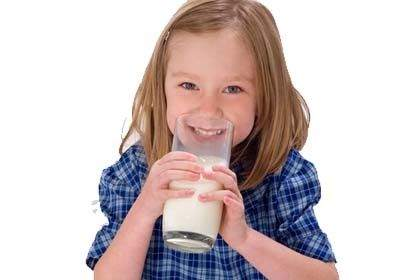 Kendini özgür Hisseden çocuk Süt Içiyor
