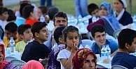 Yeşilyurt Belediyesinin meydan iftarları sürüyor