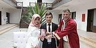 Başkan Duymuş, genç çiftin mutluluklarına ortak oldu