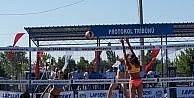 Lapseki 20'inci Plaj Voleybol Turnuvası başladı