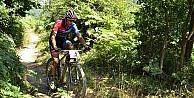 Bisikletçiler şampiyona için Konyada